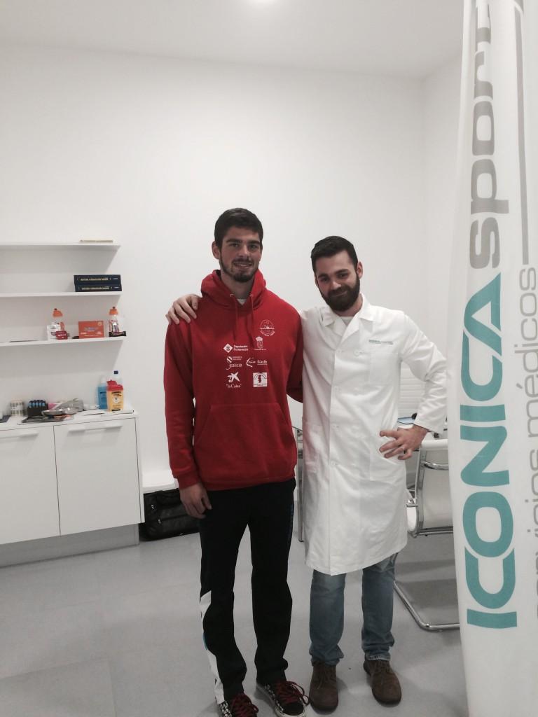 El piragüista Roi Rodríguez Huertas visita nuestra clínica de medicina deportiva