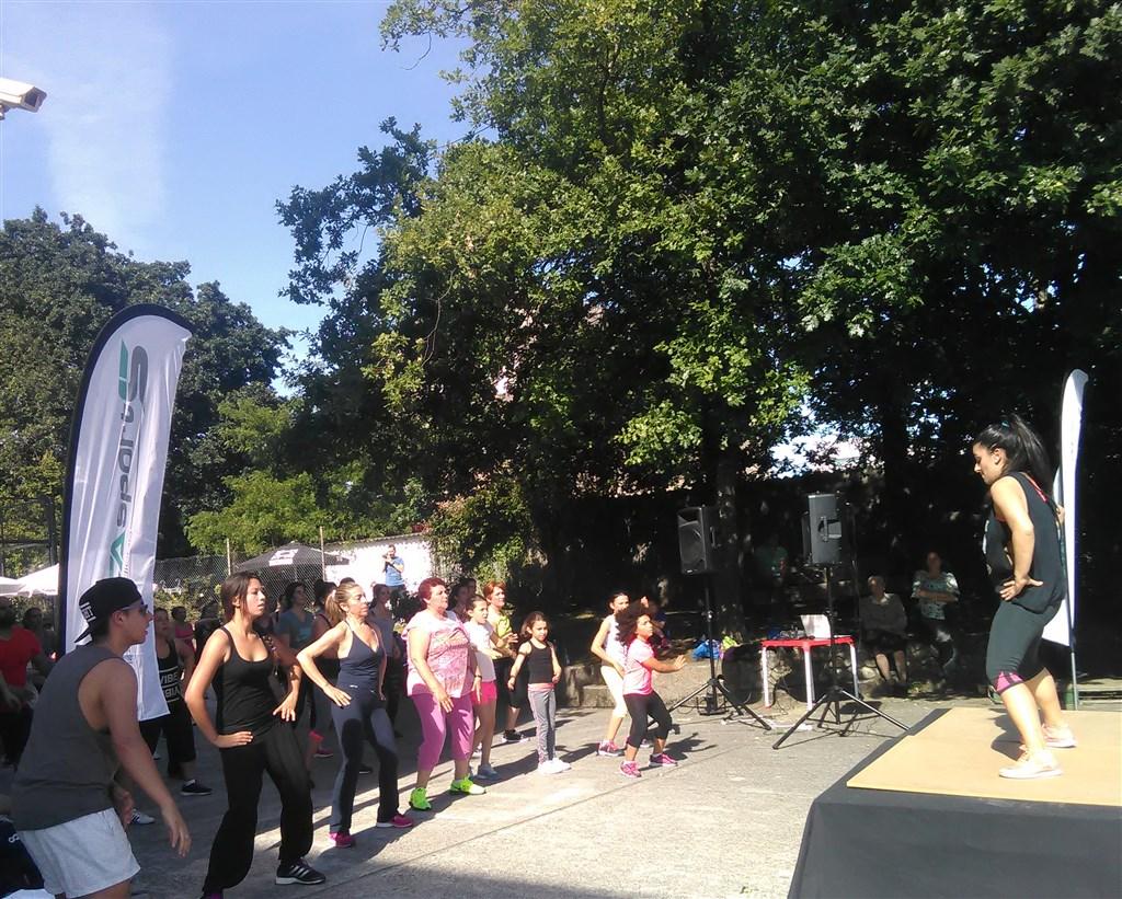 Zumba Fitness patrocinada por Iconica Sports vigo (2)
