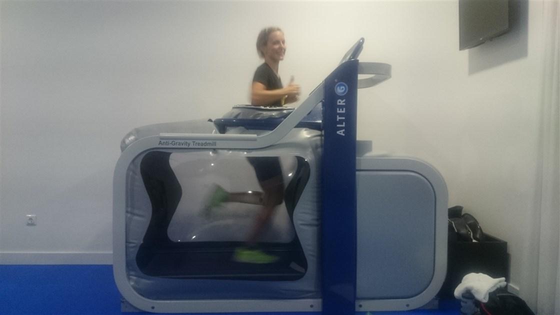 Anneke Jenkins triatleta profesional neozelandesa en iconica sports alter G(1)